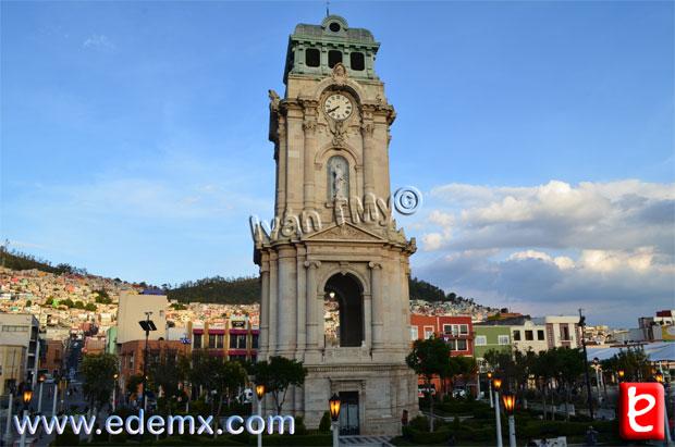 Reloj Monumental, ID896, Ivan TMy, 2013